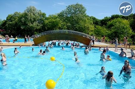Warszawa. Upalny dzień spędź na basenie.