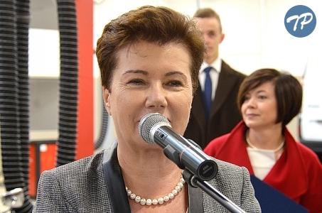 Warszawa. Najstarsza samochodówka w Polsce z nowoczesną halą.